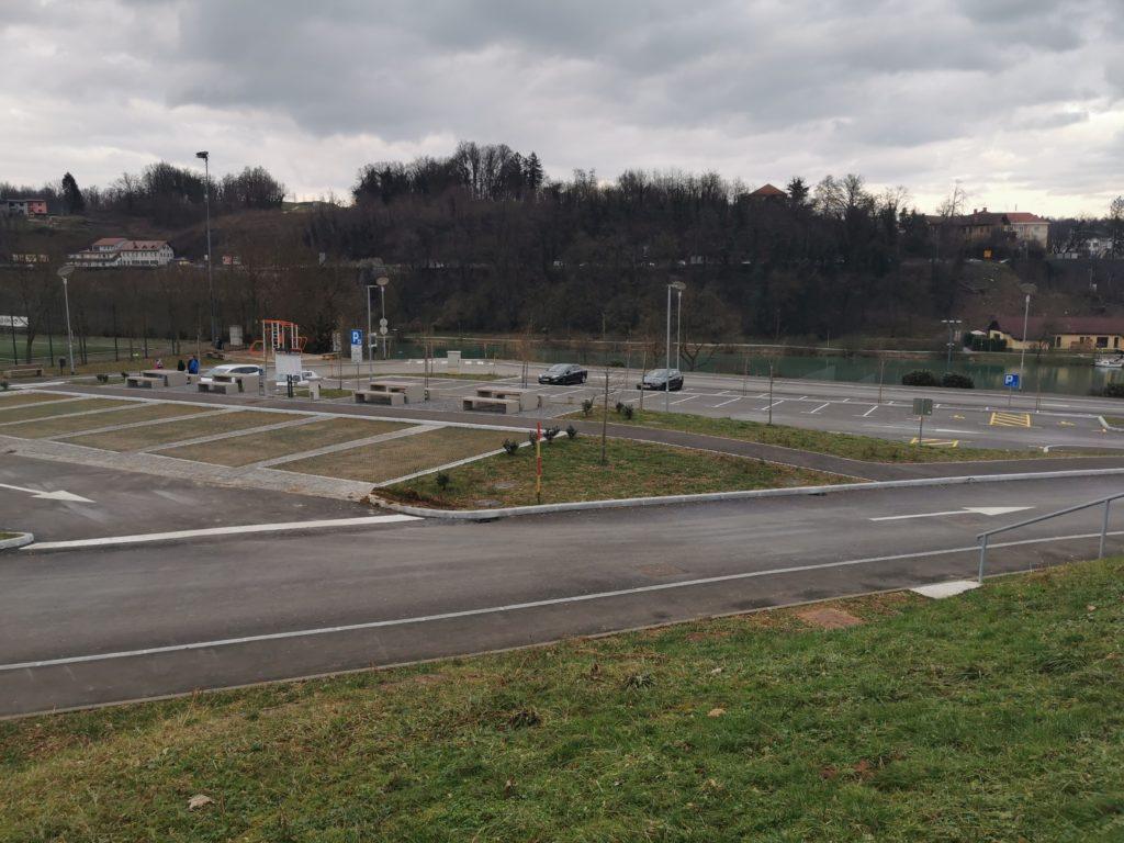 Parkirišče za avtomobile in avtodome Portoval